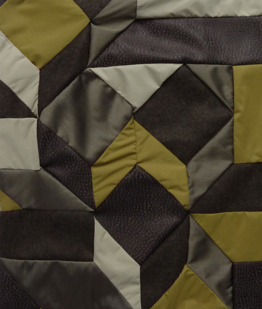 trends-carlin-cahier-interieur-coussin-patchwork-coin copie